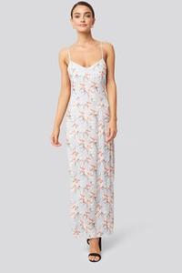 Sukienka NA-KD na ramiączkach