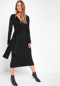 Czarna sukienka ORSAY z dzianiny z dekoltem w kształcie litery v z długim rękawem