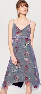 Sukienka Mohito na spacer w kształcie litery v