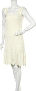 Sukienka Jessica Simpson bez rękawów z okrągłym dekoltem