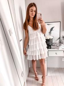 b0f0e58127 sukienka hm falbanki - stylowo i modnie z Allani