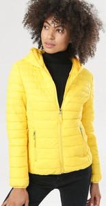 Żółta kurtka born2be w stylu casual krótka