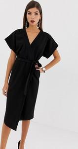 Czarna sukienka Asos oversize z dekoltem w kształcie litery v z krótkim rękawem