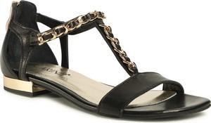 Czarne sandały eobuwie.pl z klamrami w stylu casual z płaską podeszwą