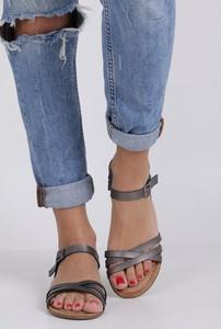 Sandały Casu z klamrami