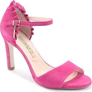 Różowe sandały Bravo w stylu klasycznym z klamrami na wysokim obcasie