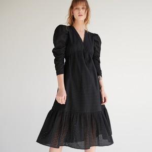 Czarna sukienka Reserved midi z długim rękawem