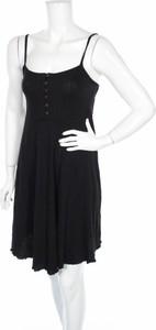 Czarna sukienka New Look Maternity z dekoltem w kształcie litery v mini na ramiączkach