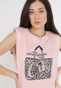 Różowa bluzka born2be z krótkim rękawem z okrągłym dekoltem