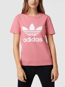Różowy t-shirt Adidas Originals w sportowym stylu