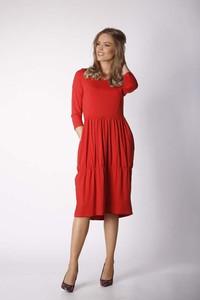 Czerwona sukienka Nommo bombka z długim rękawem midi