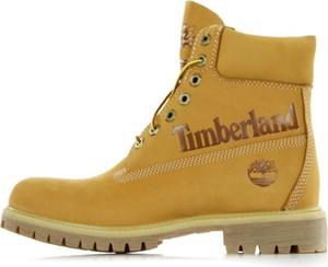 Brązowe buty zimowe Timberland sznurowane w militarnym stylu