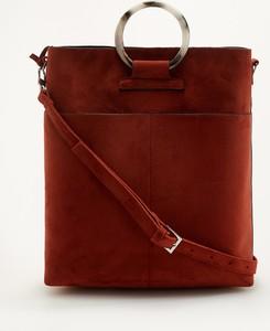 Czerwona torebka Reserved w wakacyjnym stylu duża