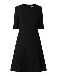 Czarna sukienka Boss z okrągłym dekoltem z bawełny