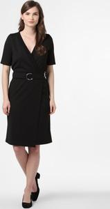 Sukienka Soyaconcept midi z krótkim rękawem w stylu casual