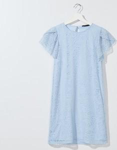 Niebieska sukienka Mohito z krótkim rękawem z okrągłym dekoltem