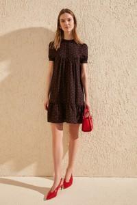Sukienka Trendyol z okrągłym dekoltem mini z krótkim rękawem