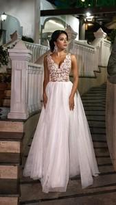 Sukienka Emo Sukienki bez rękawów rozkloszowana z dekoltem w kształcie litery v