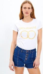 T-shirt Gate w młodzieżowym stylu z okrągłym dekoltem