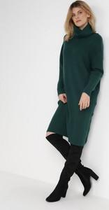 Zielona sukienka born2be w stylu casual z dzianiny midi