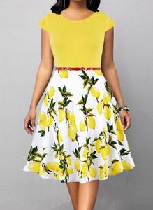 Sukienka Arilook z krótkim rękawem