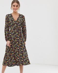 Czarna sukienka New Look z dżerseju z dekoltem w kształcie litery v