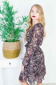 Sukienka Olika z długim rękawem mini kopertowa