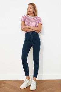 Niebieskie jeansy Trendyol w stylu casual z jeansu