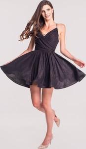 Czarna sukienka Maravilla Boutique na ramiączkach