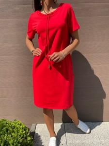 Czerwona sukienka ModnaKiecka.pl z krótkim rękawem z okrągłym dekoltem sportowa