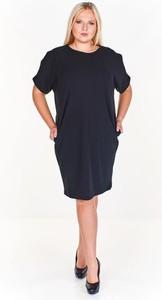 Czarna sukienka Fokus w stylu casual z dzianiny z okrągłym dekoltem