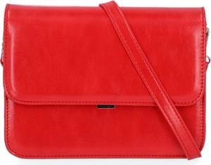 Czerwona torebka Diana&Co na ramię w stylu glamour