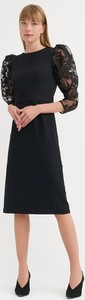 Sukienka BGN z okrągłym dekoltem z długim rękawem