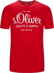 Czerwony t-shirt S.Oliver z bawełny z nadrukiem z krótkim rękawem