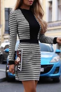 Sukienka Ivet.pl z okrągłym dekoltem mini