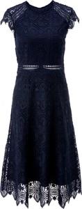 Niebieska sukienka Ivy & Oak midi z krótkim rękawem