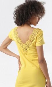 Żółta sukienka born2be z krótkim rękawem w stylu casual dopasowana