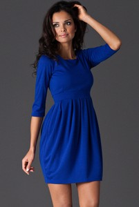 Niebieska sukienka Figl z długim rękawem z okrągłym dekoltem