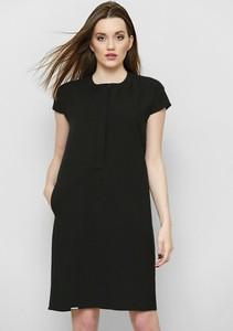 Sukienka Freeshion oversize z okrągłym dekoltem z krótkim rękawem