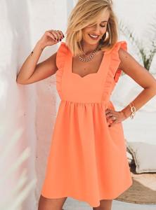 Pomarańczowa sukienka SELFIEROOM rozkloszowana w stylu casual z dekoltem w kształcie litery v