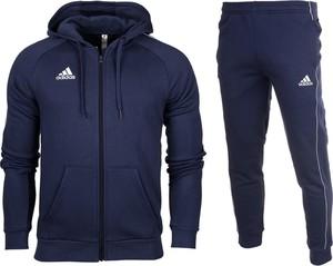 Czarny dres Adidas z dresówki w sportowym stylu
