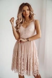 Różowa sukienka Shopaholics Dream z dekoltem w kształcie litery v mini rozkloszowana