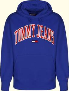 Bluza Tommy Jeans z dresówki w młodzieżowym stylu