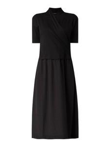 Czarna sukienka Marc Cain z krótkim rękawem z dzianiny midi