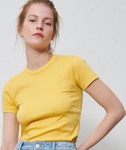 Żółty t-shirt Reserved z okrągłym dekoltem