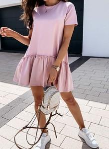 Sukienka Arilook z krótkim rękawem z dresówki z okrągłym dekoltem