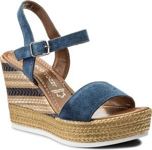 Granatowe sandały marco tozzi w stylu casual na koturnie