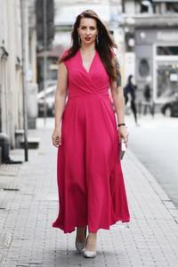 Sukienka Marka Polska z tkaniny z dekoltem w kształcie litery v z krótkim rękawem