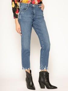 Granatowe jeansy Patrizia Pepe w street stylu