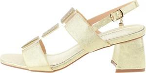 Sandały Prima Moda na obcasie na średnim obcasie